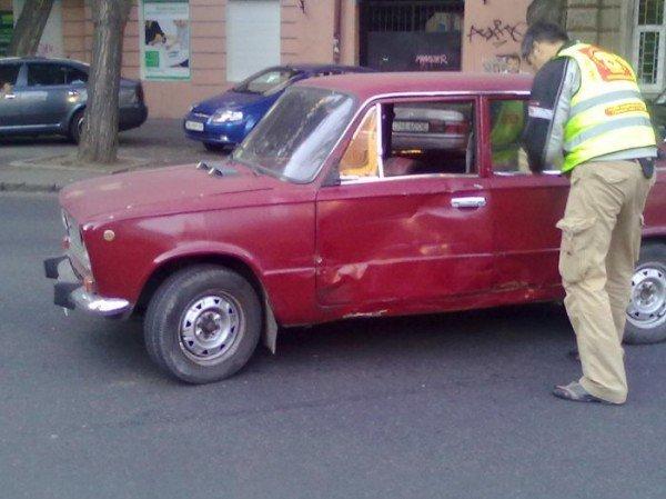 Очередная авария по ул. Новосельского с участием байкера (фото), фото-3